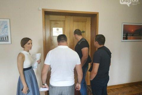 ДБР прийшло з обшуком в Одеську облраду (оновлено)