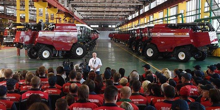 Александр Лукашенко на предприятии 'Гомсельмаш', 09 августа 2018.