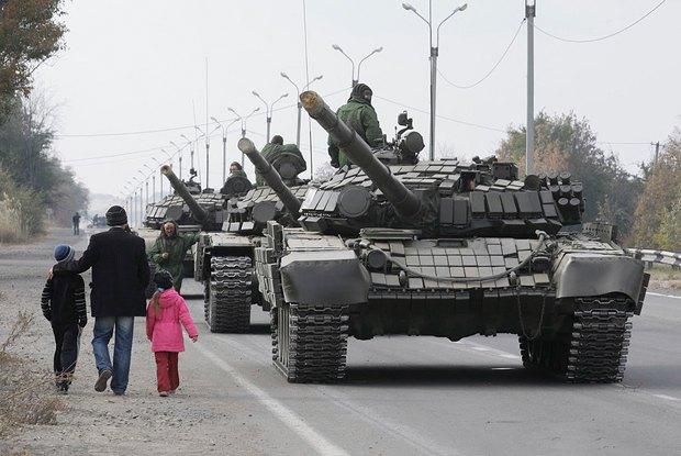 Танки боевиков в Луганске