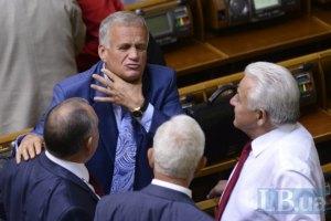 Депутаты отказались слушать Азарова и Табачника