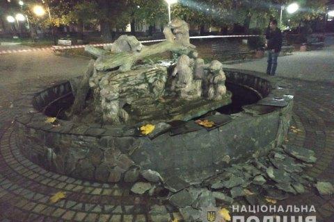 Поліція затримала чоловіка, який підірвав фонтан у Львівській області
