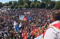Мешканці французького містечка влаштували масштабний протест проти скорочень у Renault