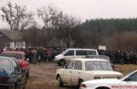 У Житомирській області місцеві і приїжджі добувачі бурштину влаштували масову бійку
