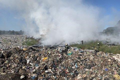 У Демидові під Києвом загасили сміття на території сортувального заводу
