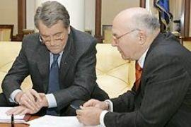 Ющенко поручил Стельмаху профинансировать строительство самолетов