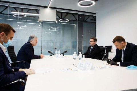Порошенко зустрівся з послом Польщі