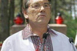 Ющенко вывез в Канаду несколько самолетов антиквариата
