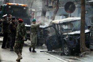 У Кабулі терорист-смертник атакував конвой НАТО, є жертви