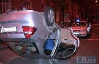 В Киеве перевернулся автомобиль с беременной пассажиркой