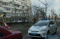 Поліція в Києві стріляла у злочинця, який погрожував людям гранатами