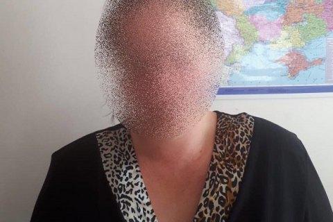 """В Хмельницком женщина посуточно """"сдавала в аренду"""" своих детей попрошайкам"""