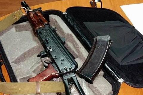 В Киевской области задержали двоих полицейских, торговавших оружием