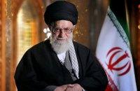 Духовний лідер Ірану захищає військових, які збили літак МАУ
