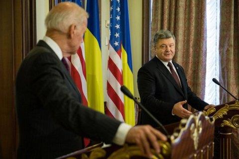 Санкції повинні змусити Росію поважати міжнародне право, - Порошенко