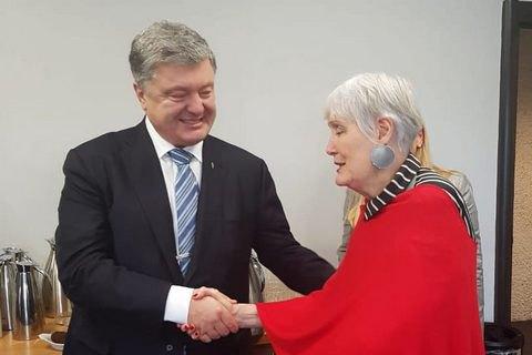 Порошенко призвал начать на саммите НАТО дискуссию о ПДЧ для Украины