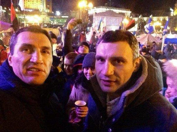 Виталий и Владимир Кличко на Евромайдане