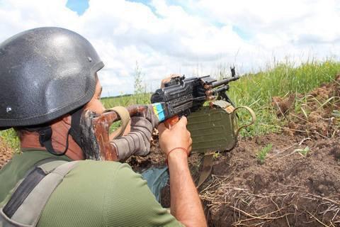 Прес-центр АТО повідомляє про посилення обстрілів по позиціях українських військових