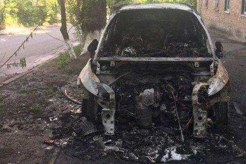 Машину головного редактора телеканалу TVi спалили вночі в Києві (оновлено)