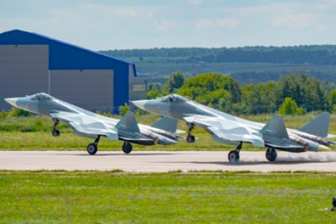 Первый серийный экземпляр нового российского истребителя Су-57 разбился во время испытаний