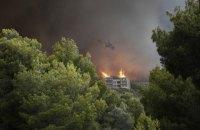 Лесные пожары в Швеции тушат с помощью военных истребителей