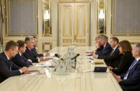 Порошенко закликав ЄС і США посилити тиск на Росію через втручання в українські вибори