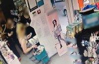 У Києві жінка намагалася вистрибнути у вікно під час затримання за підозрою в крадіжці