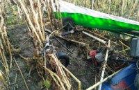 В Житомирской области на поле с подсолнухами упал дельтаплан, пилот погиб