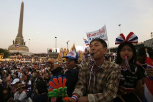 Влада Таїланду заборонила збиратися групами з більше ніж п'ять осіб