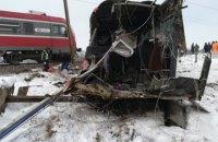 В Сербии поезд протаранил школьный автобус, есть погибшие