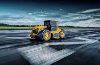 Команда Формулы-1 поучаствовала в создании самого быстрого трактора в мире со скоростью 250 км/ч