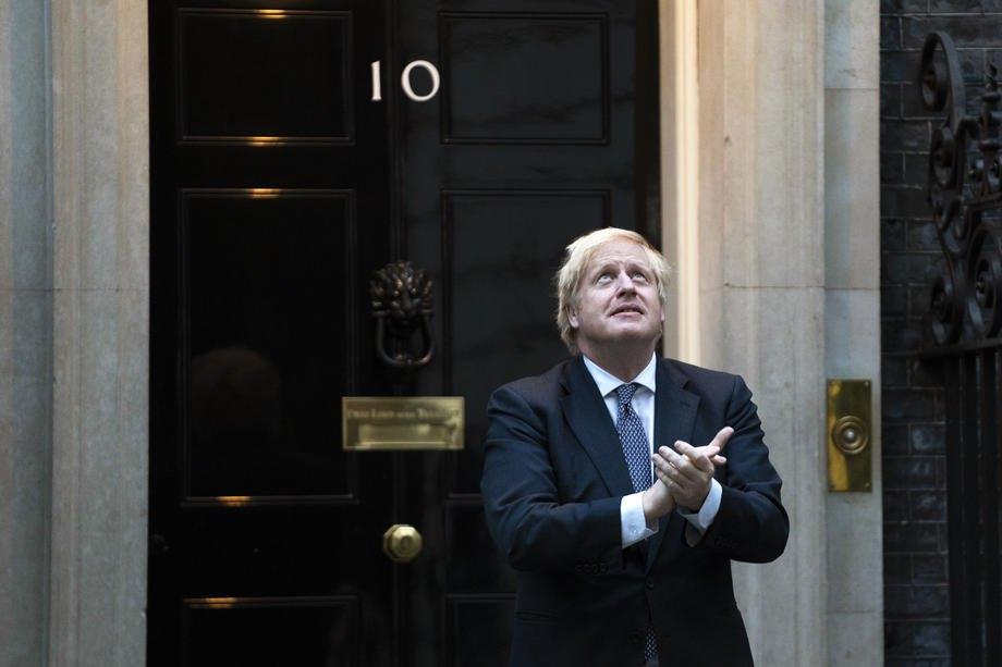 Борис Джонсон біля своєї резиденції на Даунінг-стріт, 10, Лондон