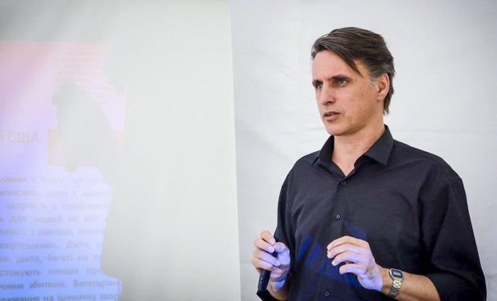 Віктор Досенко