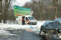 """У Вінницькій області в ДТП за участю """"швидкої"""" постраждали 8 осіб"""