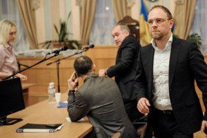 Совет Европы просят обязать Украину освободить Тимошенко