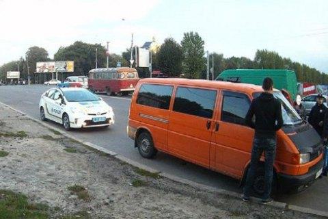 Во Львове милиционер на автомобиле сбежал от полицейских