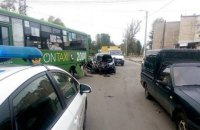 В Харькове BMW Х5 влетел в маршрутку с пассажирами (обновлено)