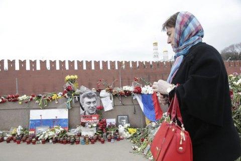 У Москві знесли народний меморіал Нємцову