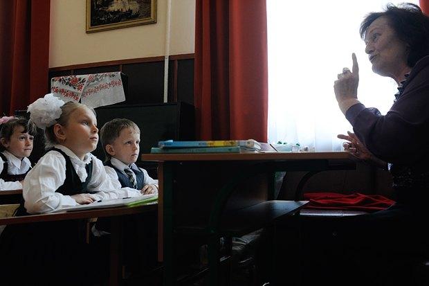 Этот кадр сделан в прекрасной маленькой сельской школе в Бобрице Киевской области