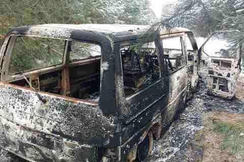 Контрабандисти спалили мікроавтобус із цигарками, втікаючи від прикордонників