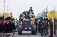 В Індії тисячі фермерів штурмували історичну пам'ятку під час протесту