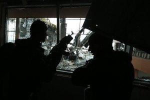 """Троє кримінальників намагалися продати бойовикам """"кіборга"""" з Донецького аеропорту"""