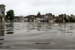 В Пакистане из-за наводнений погибли 73 человека