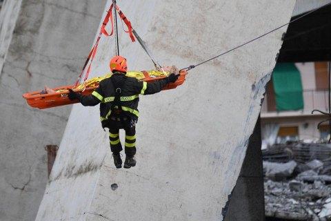 Количество погибших при обрушении моста в Генуе достигло 39 человек (обновлено)