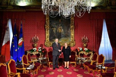 Порошенко начал встречу с президентом Мальты