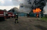 В Буче под Киевом возник крупный пожар на металлобазе