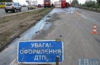 У Києві вантажівка протаранила маршрутку, постраждали пасажири