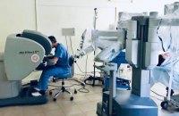 В львовской больнице робот-хирург Da Vinci успешно прооперировал своего первого пациента