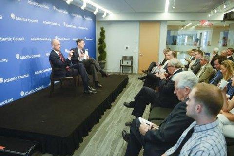 У десятирічній перспективі Україна повинна бути повністю енергетично незалежною, - Яценюк
