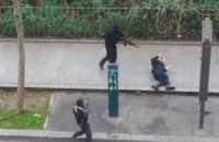 З'явилося відео нападу на паризький журнал