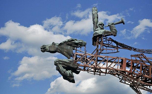 Залишки радянського пам*ятника